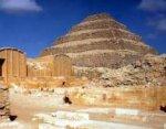 В Египте нашли ступенчатую пирамиду